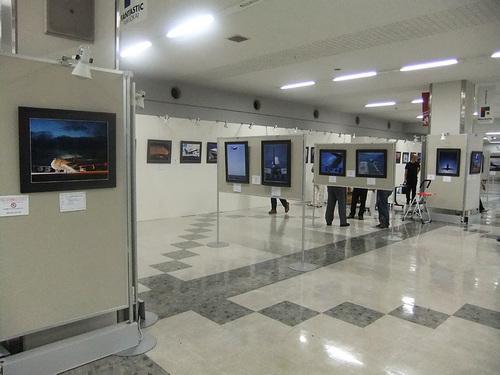 ひこーきnet空の日写真展2011_設営作業02